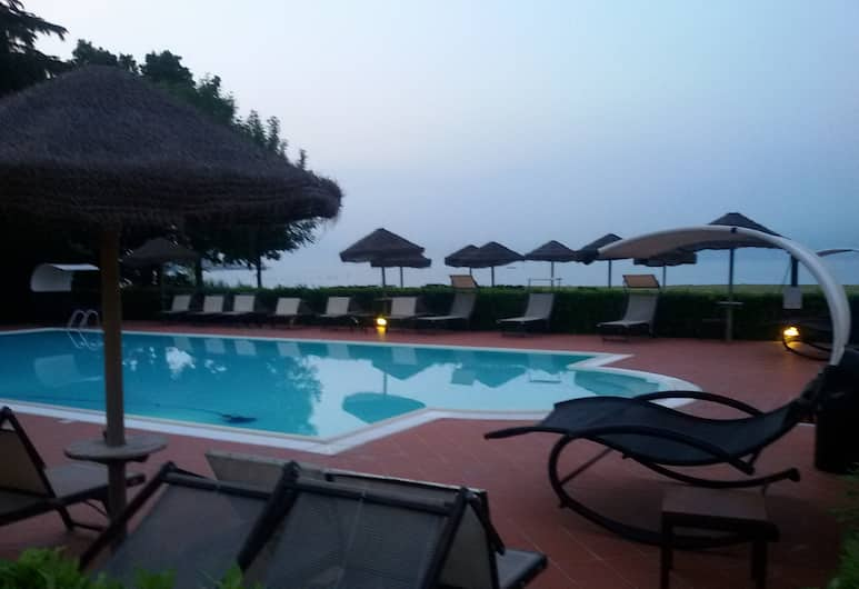Yachting Hotel Mistral, Sirmione, Piscina all'aperto