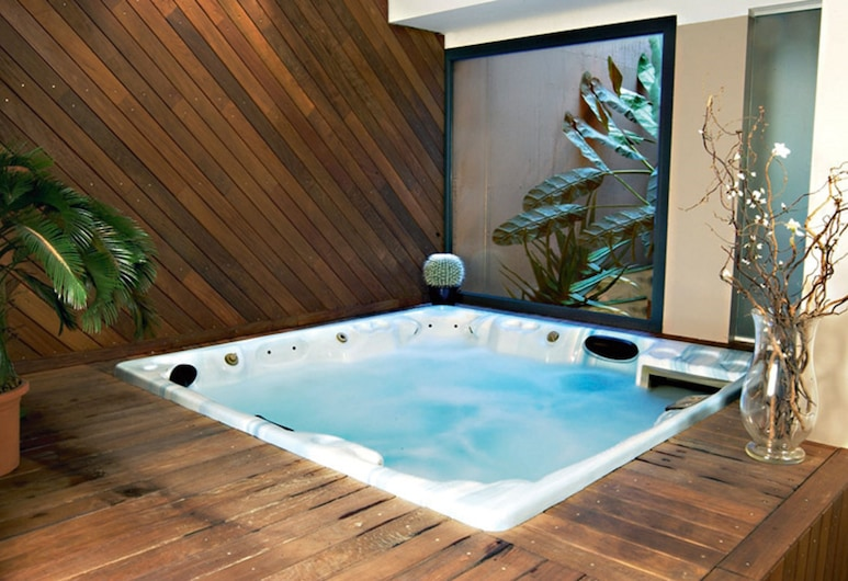 Yachting Hotel Mistral, Sirmione, Indoor Spa Tub