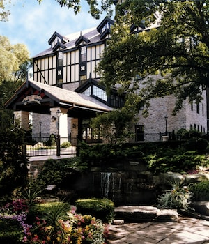 Picture of Old Mill Toronto in Toronto