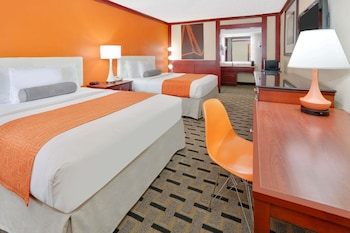 Picture of Howard Johnson by Wyndham San Marcos in San Marcos