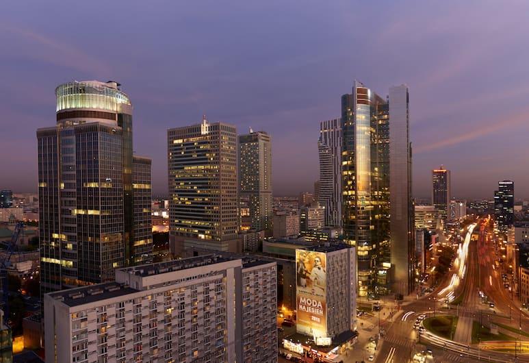 The Westin Warsaw, Warszawa, Classic-rum - 1 kingsize-säng - utsikt mot staden, Utsikt från gästrum