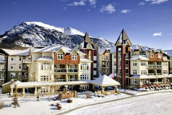 Picture of Windtower Lodge and Suites in Canmore