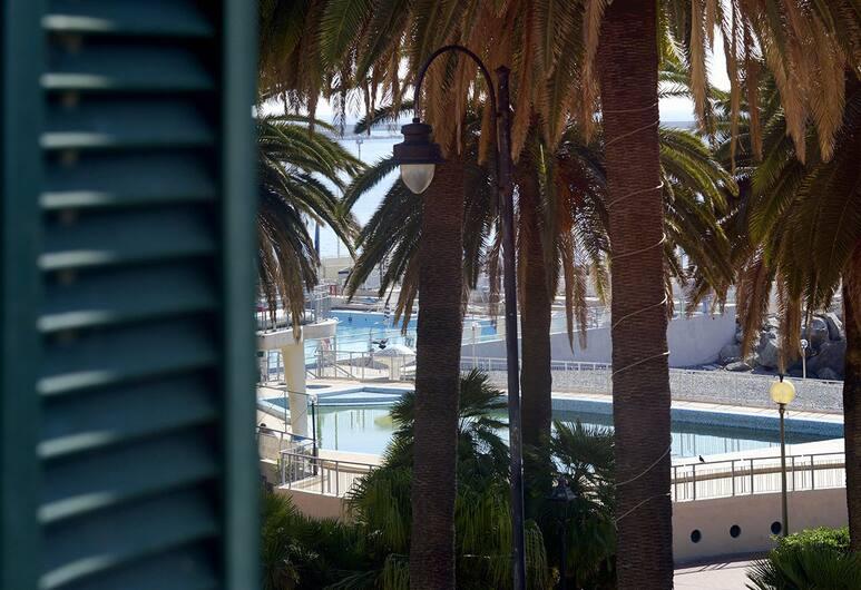 Grand Hotel Mediterranée, Genova, Buitenzwembad