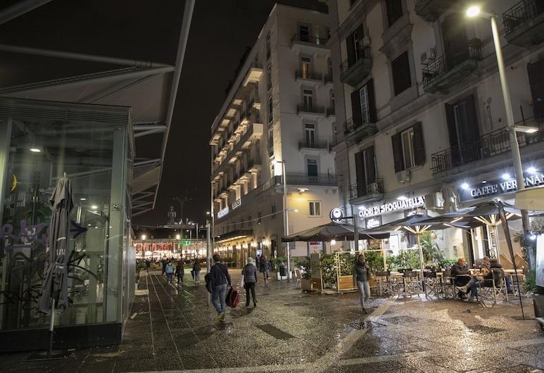 Hotel Ideal, Napoli