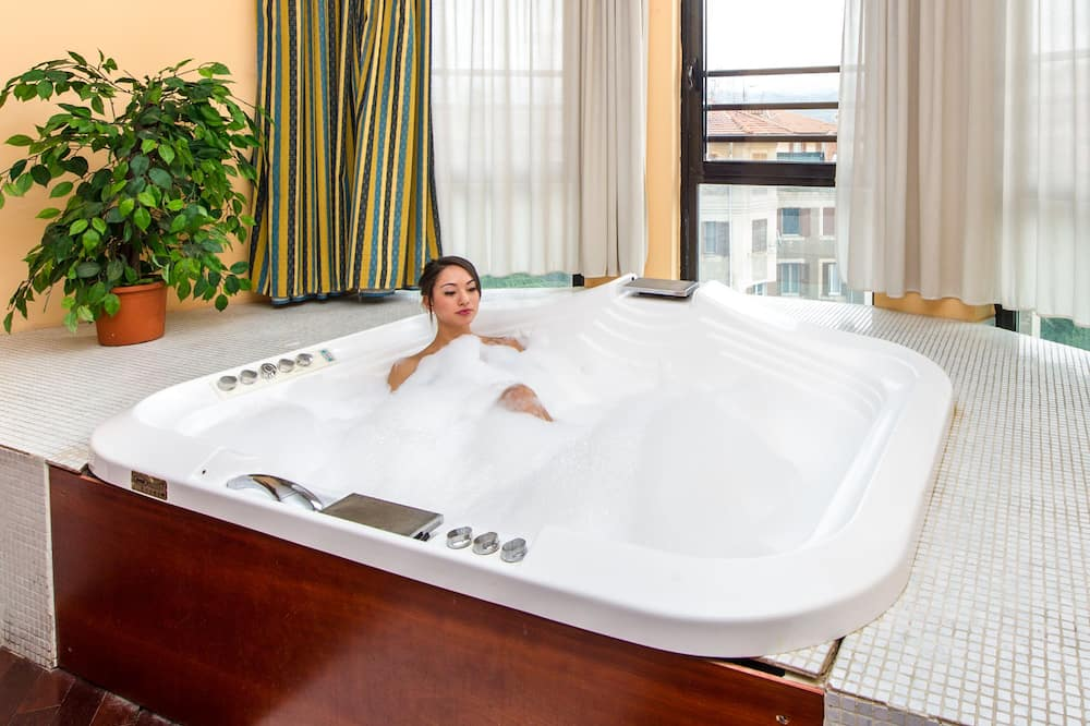 Suite (With Mini Swimming Pool) - Gjesterom