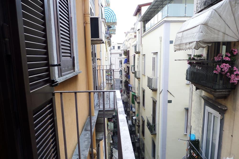 Basic Oda - Balkon Manzarası