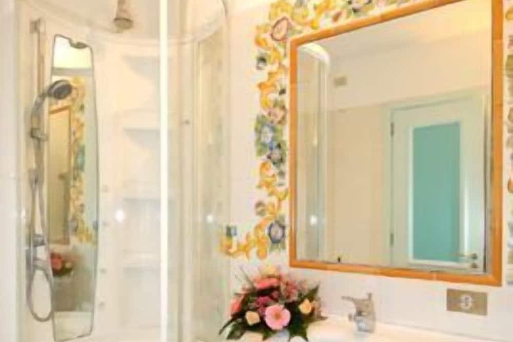 高級雙人或雙床房, 海景 - 浴室