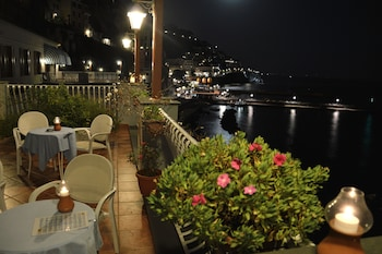 Picture of Hotel La Bussola in Amalfi