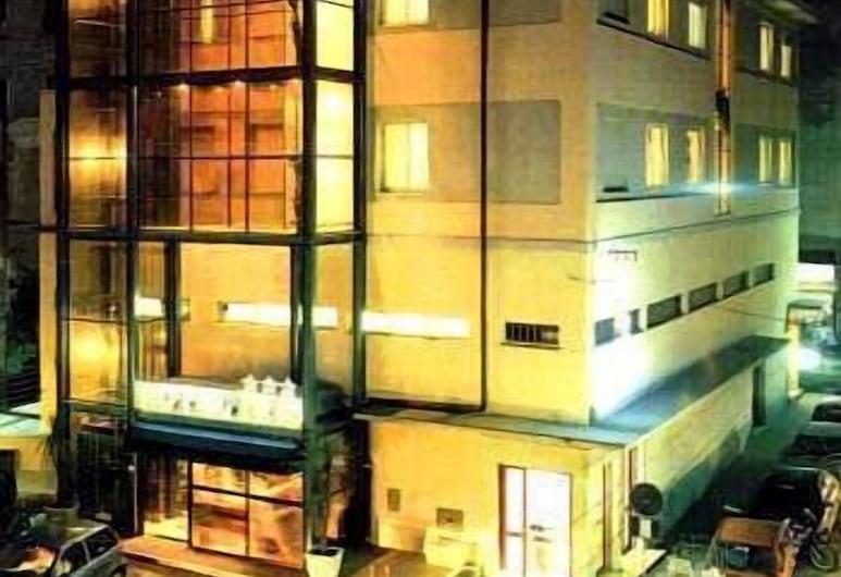 Hotel Iris, Genova, Voorkant hotel - avond/nacht