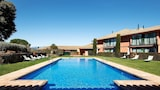 Reserve this hotel in Navata, Spain