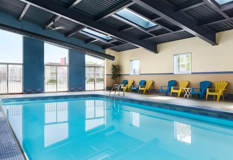 Days Inn & Suites by Wyndham Niagara Falls Centre St. By the Falls, Niagara Falls, Innenpool