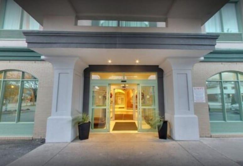 Days Inn & Suites by Wyndham Niagara Falls Centre St. By the Falls, Niagarské vodopády, Průčelí hotelu