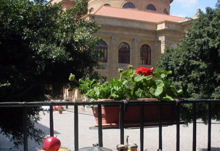 Massimo Plaza Hotel, Palermo, Terasa