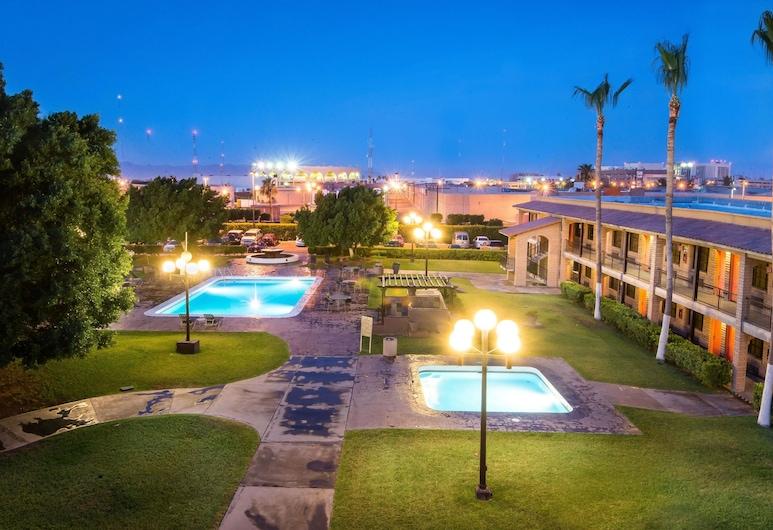 Hotel Colonial Mexicali, Mechikalis, Lauko baseinas