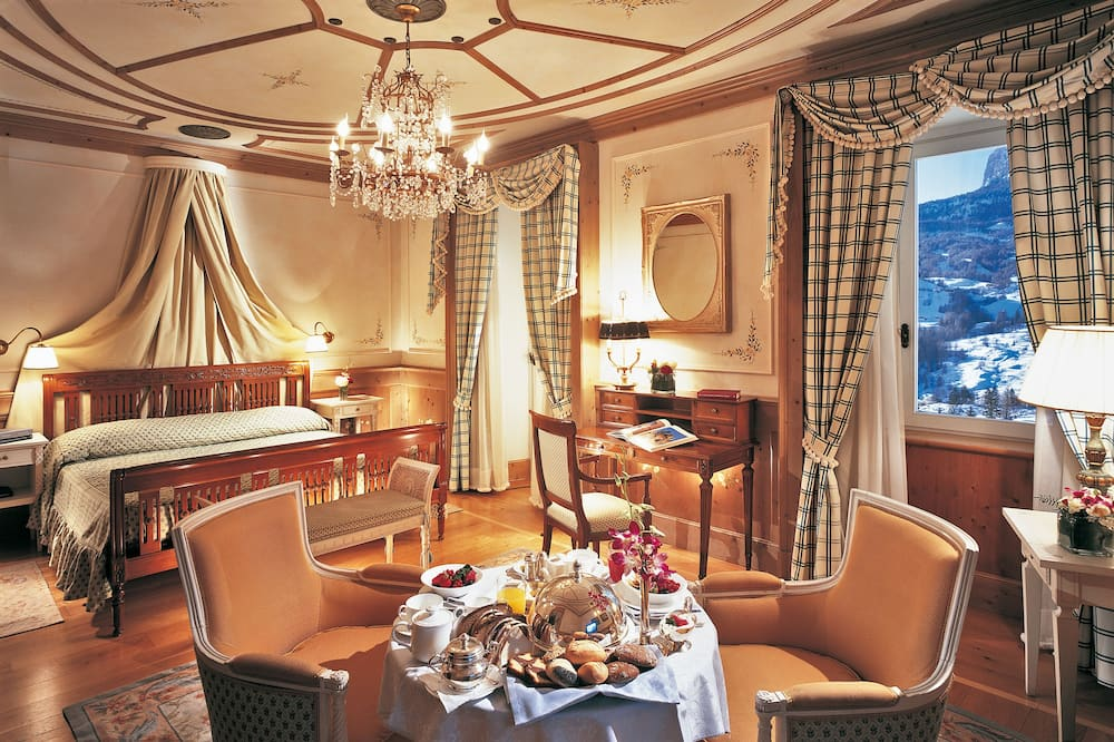 Classic Double Room - In-Room Dining