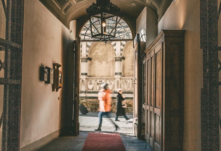 Hotel Domus Florentiae, Florence, Hotel Entrance