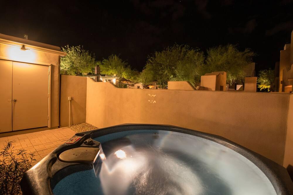 SPA vonia lauke