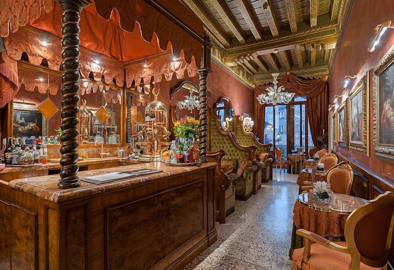 Hotel Al Ponte Antico, Venice, Hotel Lounge