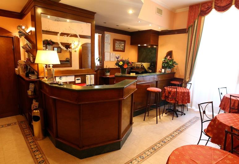 Hotel Baltico, Rím, Hotelový bar
