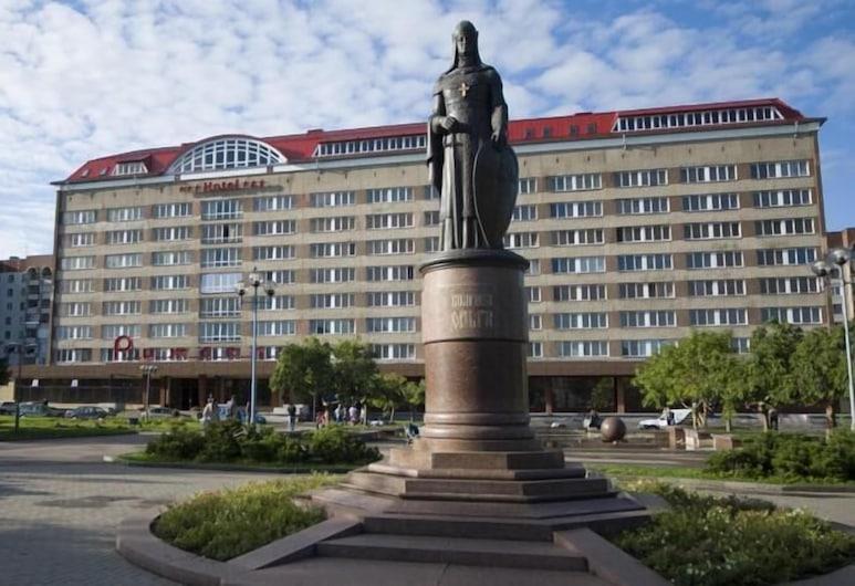 Rizhskaya Hotel, Pihkva, Hotelli territoorium