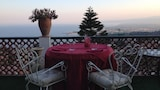 Choose This Cheap Hotel in Taormina