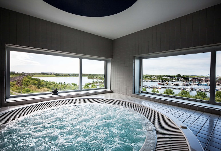 Scandic Sluseholmen, Copenhagen, Outdoor Spa Tub