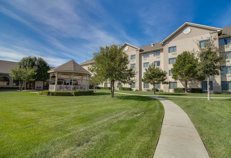 Ashmore Inn & Suites, Amarillo, Property Grounds