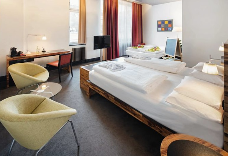 Movenpick Hotel Berlin, Berlin, Family Room, City View, Guest Room