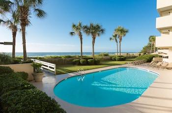 תמונה של Grande Cayman Resort במירטל ביץ'