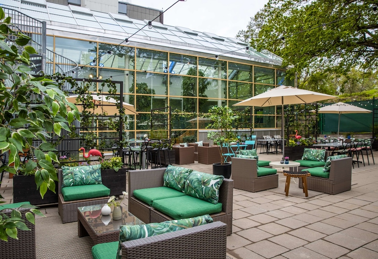 Park Inn by Radisson Stockholm Solna, Solna, Bar del hotel