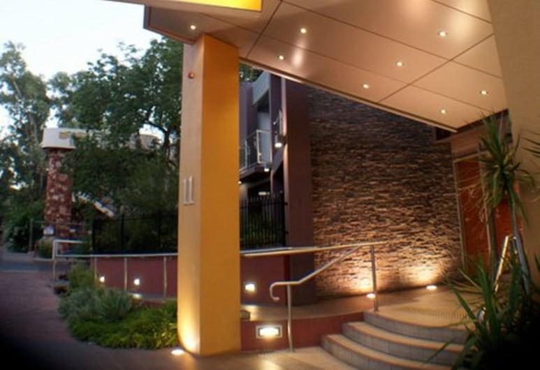 奧羅拉愛麗絲春天飯店, 愛麗絲斯普林斯, 飯店入口