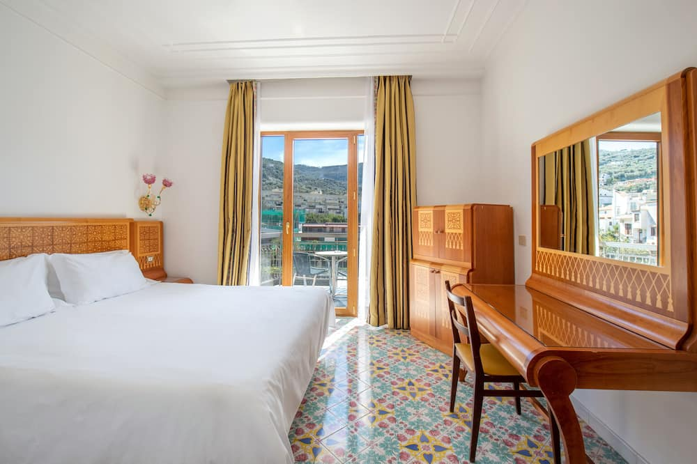 Standard Double or Twin Room - Street View