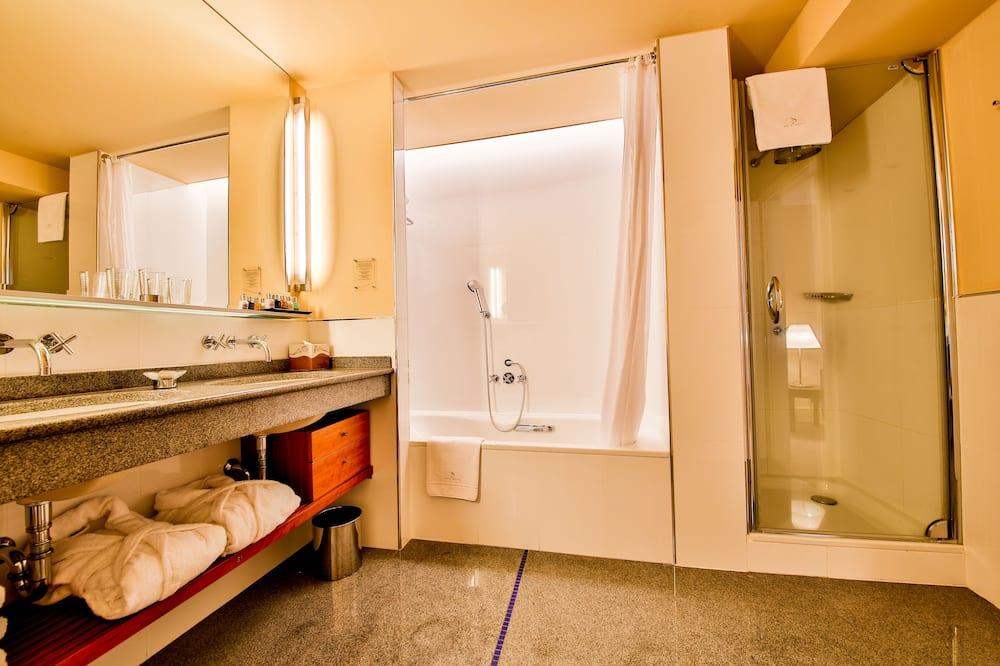 Junior-Suite, 1King-Bett - Badezimmer