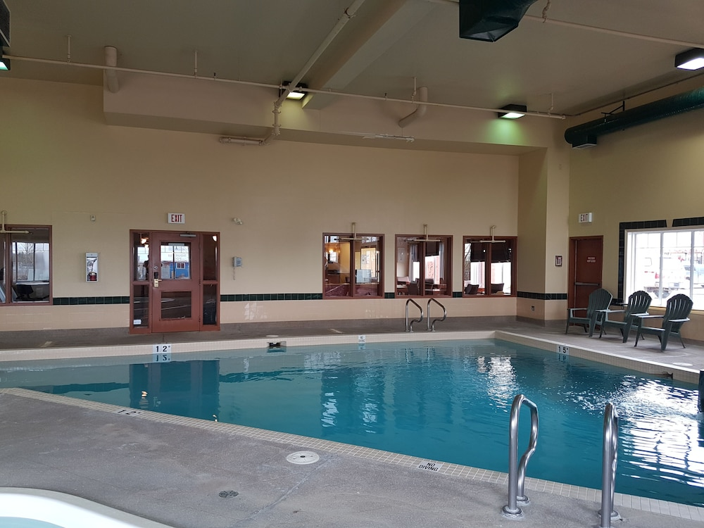 Super 8 By Wyndham Fort Nelson Bc Indoor Pool