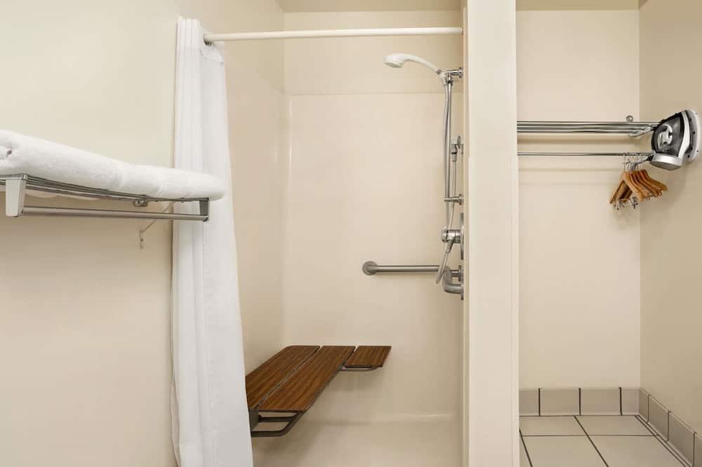 Værelse - 1 dobbeltseng - handicapvenligt - ikke-ryger - Badeværelse