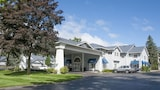 Choose This 2 Star Hotel In Traverse City