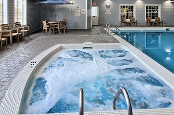 Image de Grand Beach Resort Hotel à Traverse City