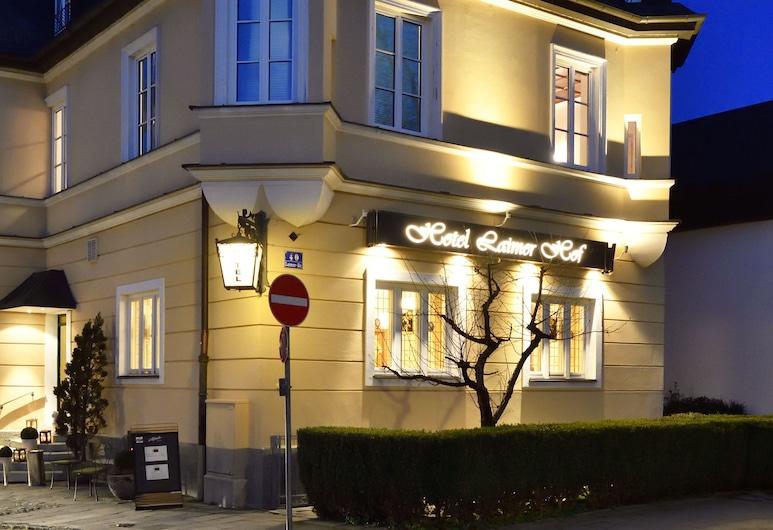 Hotel Laimer Hof Nymphenburg Palace Munich, München, Fassaad õhtul/öösel