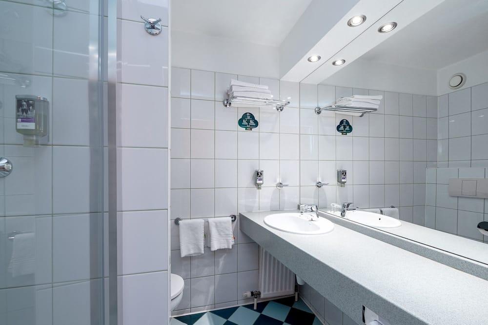 Superior-Zimmer, 1Queen-Bett und Schlafsofa - Badezimmer