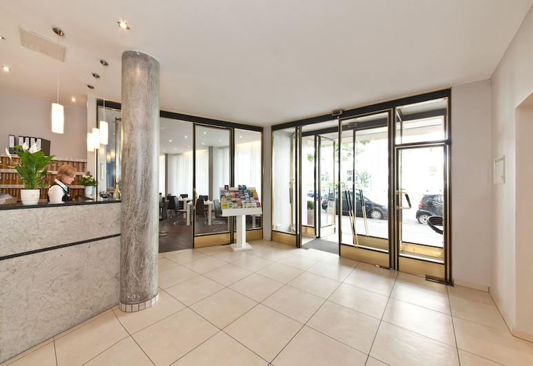 柏林庫達姆大街列支堡拿富姆酒店, 柏林, 入口