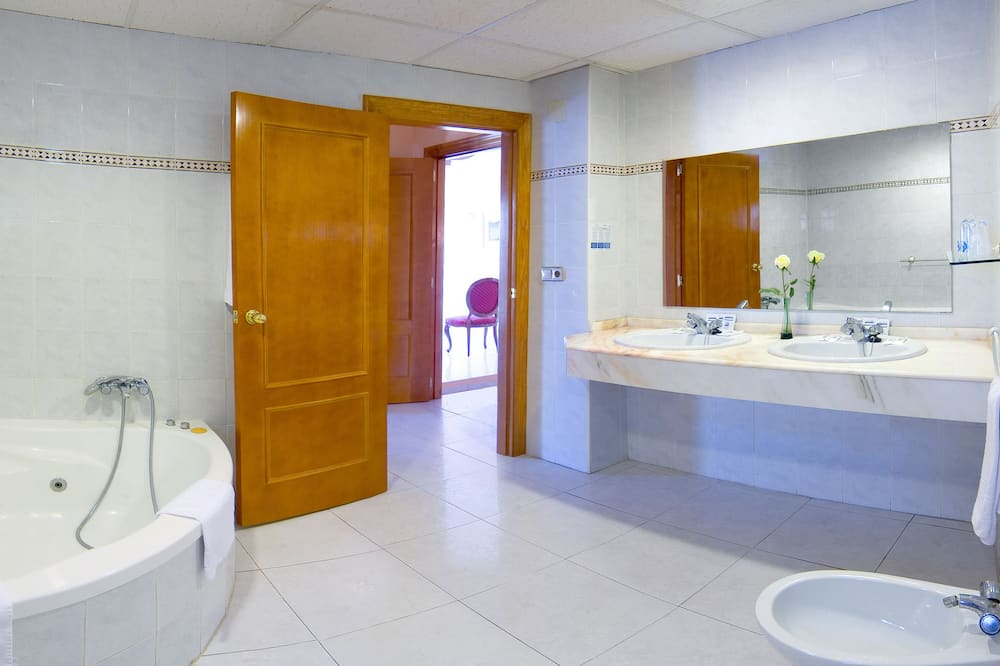 스탠다드 더블룸 (3 adultos + 1 niño) - 욕실