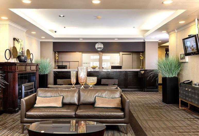Campus Tower Suite Hotel, Edmonton, Reception