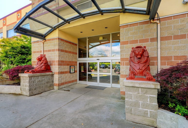 Red Lion Inn and Suites, Victoria