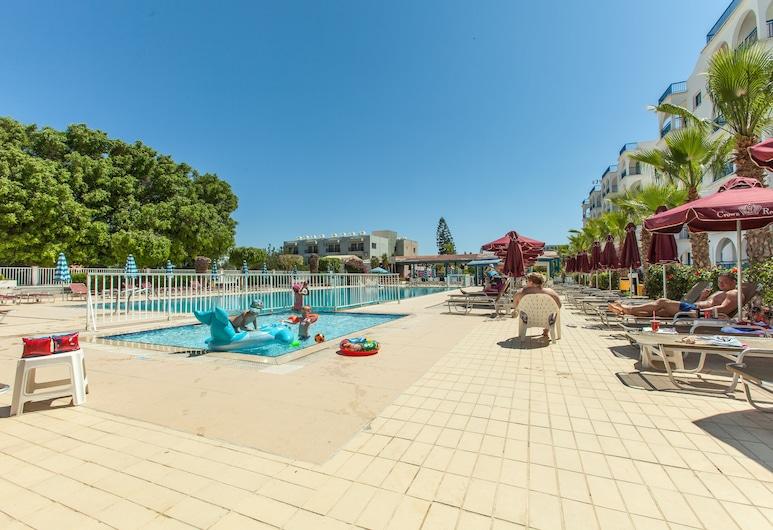 Crown Resorts Elamaris, Protaras, Välibassein