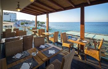 Mynd af Golden Beach Hotel í Hersonissos