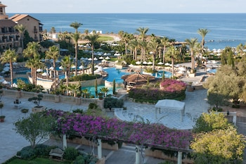 Choose This Luxury Hotel in Paphos