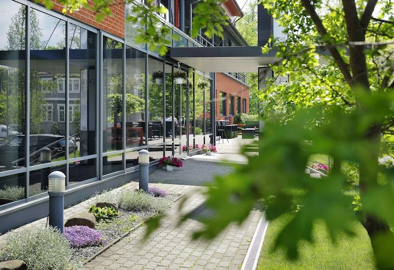 Oru Hub Hotel, Таллінн, Вхід до готелю