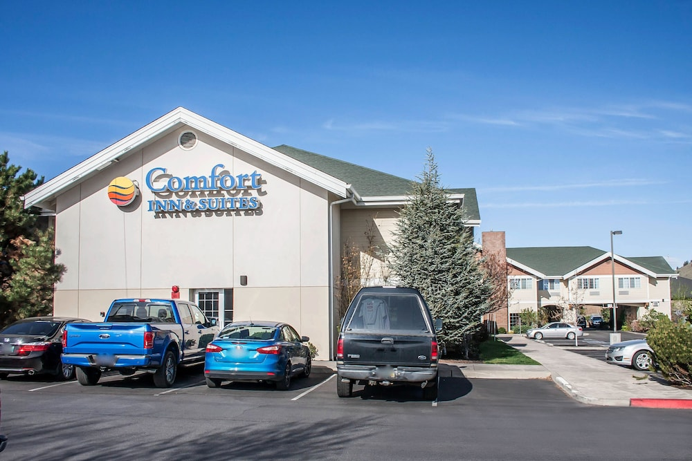 Book Comfort Inn And Suites Bend In Bend Hotels Com