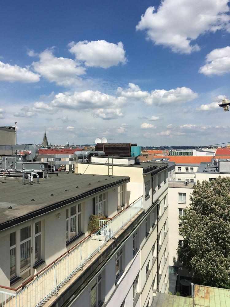 Hotel Elysee, Prague