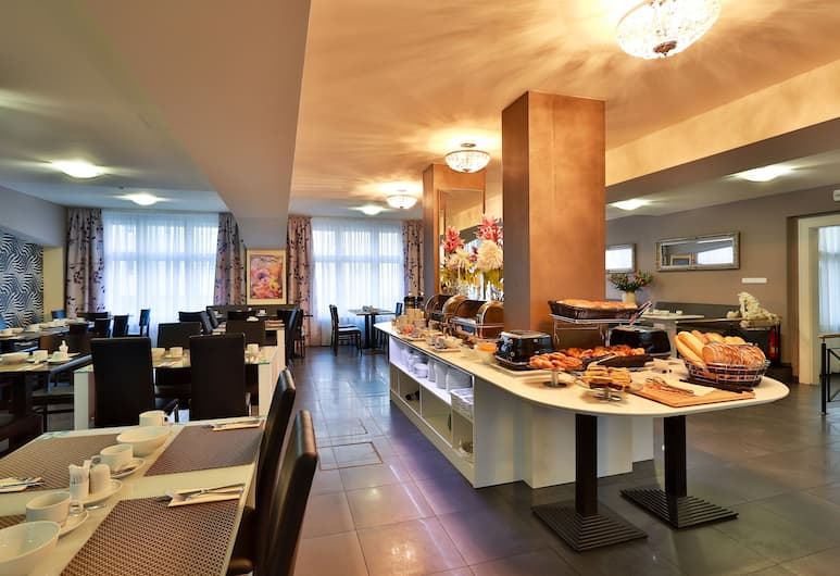 Hotel Elysee, Прага, Завтрак